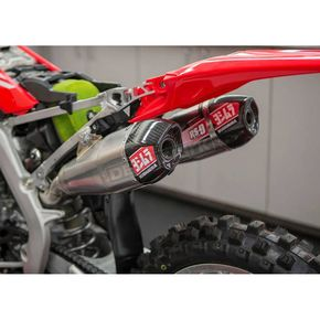 Yoshimura Stainless/Stainless/Carbon Fiber RS-9T Signature Series Dual Slip-On Mufflers - 225832R520
