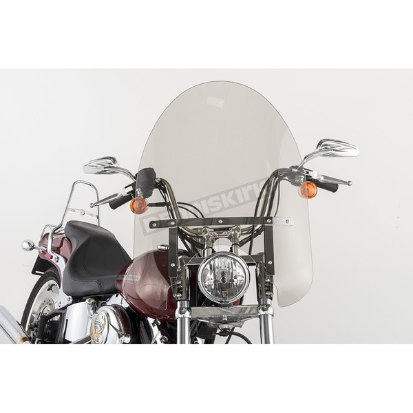 Slip Streamer 22 in. Smoke SS-30 Classic Windshield w/Chrome Quick Release Hardware - SS-30-22TTQ