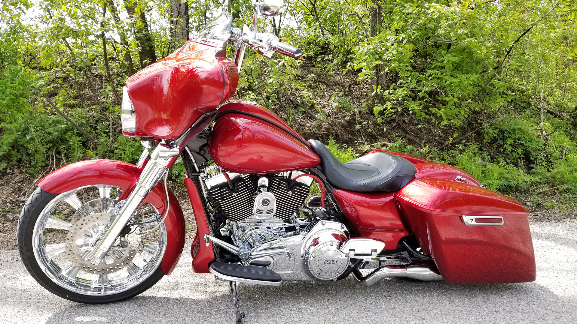 2012 Harley Davidson Street Glide Dennis Kirk Garage Build Red
